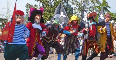 Disney acude al rescate de París