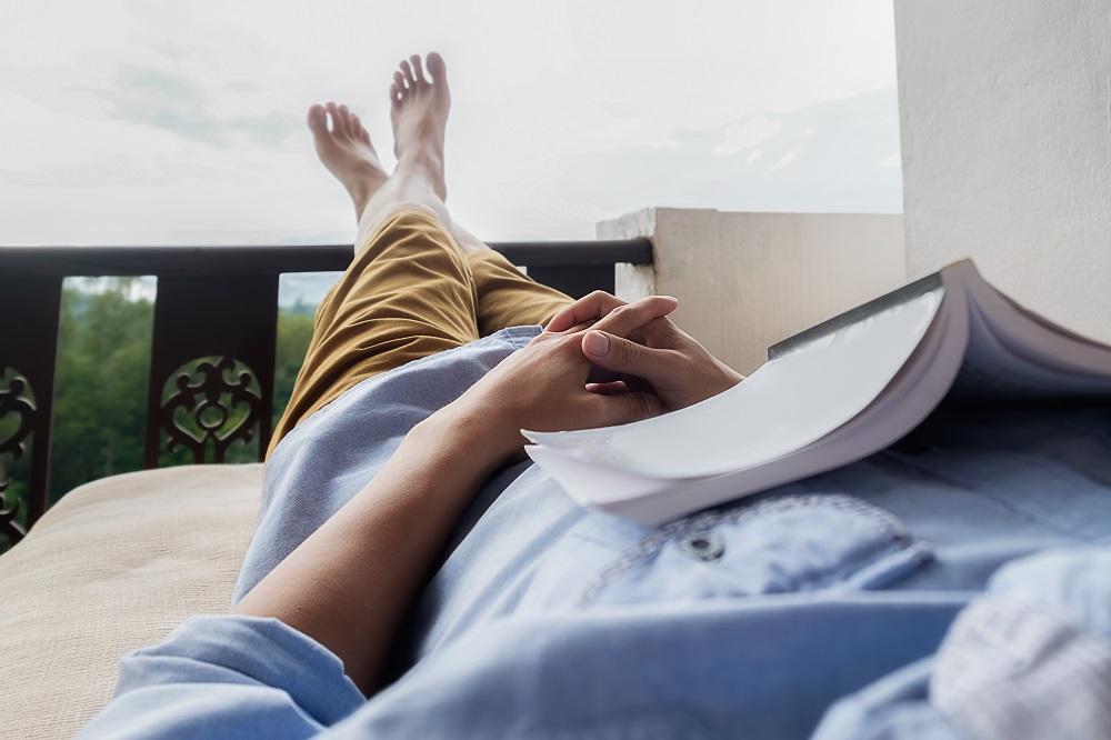 Disfruta más por menos te invita a que intentes mantener intacto tu karma a la vuelta de tus vacaciones