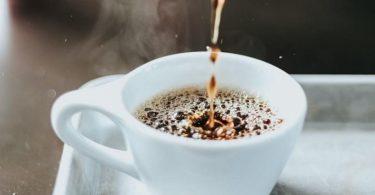 Azkoyen lanza la nueva máquina de café Vitro X1 MIA