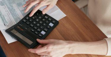 El servicio de comparación de facturas de FC Energía te ayuda a ahorrar en la tarifa de luz y gas